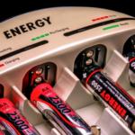 Výběr správné nabíječky na baterie AA