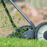 Jak docílit dokonalého trávníku? Za pomocí vertikutátoru je to hračka